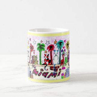 Taza De Café Gatos debajo de la luna de Miami…