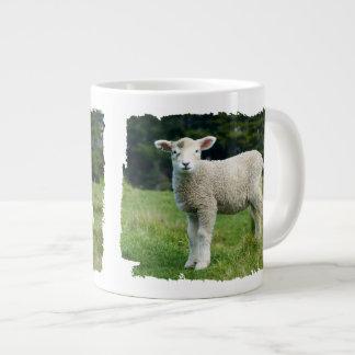 Taza De Café Gigante Cara fangosa de las ovejas lindas del bebé en