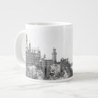 Taza De Café Gigante Castillo blanco y negro de Neuschwanstein en