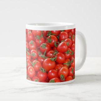 Taza De Café Gigante Tomates rojos de la vid