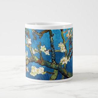 Taza De Café Grande Bella arte floreciente del árbol de almendra de