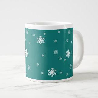 Taza De Café Grande Dejáis le nevar, modelo de los copos de nieve en