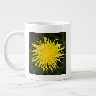 Taza De Café Grande Diente de león amarillo vivo