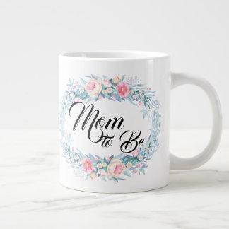 Taza De Café Grande Mamá a ser guirnalda de la flor de la tipografía