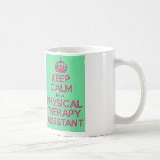 Taza De Café Guarde la calma y llame al ayudante de la terapia