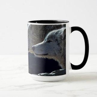 Taza de café hermosa del lobo