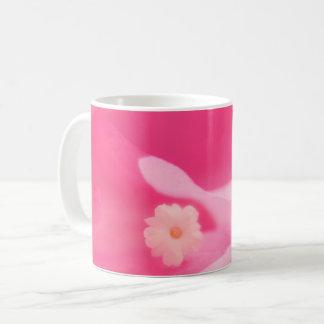 Taza De Café Hojas del Bougainvillea y primer rosados de la