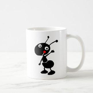 Taza De Café hormiga linda del dibujo animado