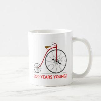 Taza De Café ¡La bicicleta está celebrando 200 jóvenes!