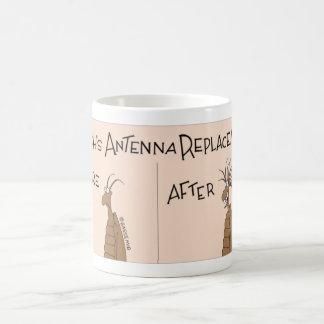 Taza De Café La cucaracha consigue un reemplazo de la antena