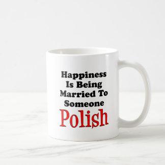 Taza De Café La felicidad casó con alguien el polaco