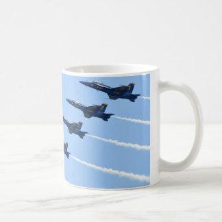 Taza De Café La línea de ángeles azules coloca al corriente