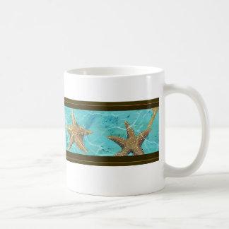 Taza De Café Las estrellas de mar de la aguamarina asaltan para