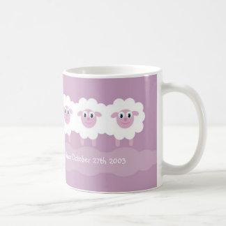Taza De Café Las ovejas asaltan - calme un día a la vez desde…
