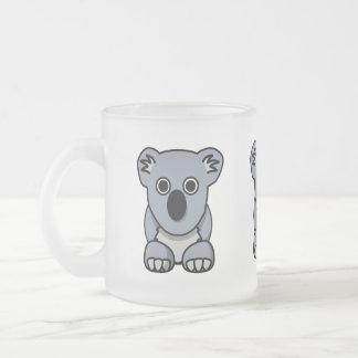 Taza de café linda de la koala