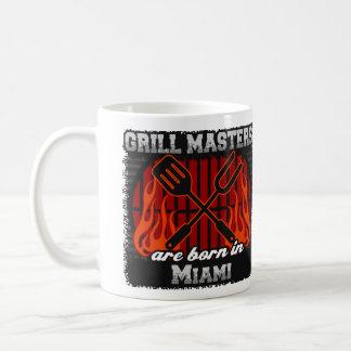 Taza De Café Los amos de la parrilla nacen en Miami la Florida
