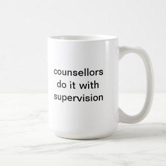Taza De Café los consejeros lo hacen con la supervisión