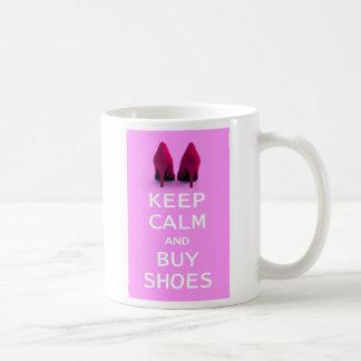 Taza De Café Mantenga tranquilo y compre zapatos