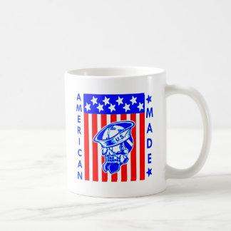 Taza De Café Marinero hecho americano de la bandera del cráneo