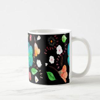 Taza De Café Mediados de jardín de la noche