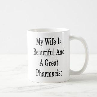 Taza De Café Mi esposa es hermosa y gran farmacéutico