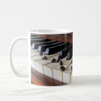 Taza De Café Microprocesadores del piano y de chocolate (11oz)