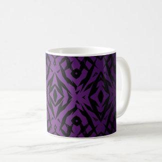 Taza De Café Modelo tribal púrpura de las formas