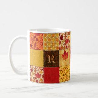 Taza De Café Monograma del remiendo del otoño