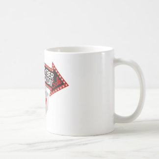 Taza De Café Muestra negra cibernética de la venta de lunes