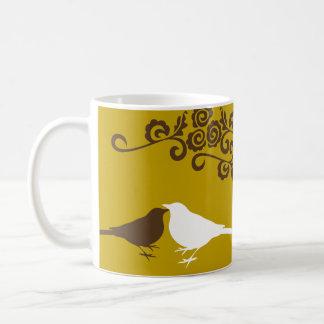 Taza de café nupcial conocida de encargo del