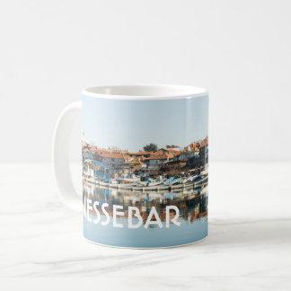 Taza De Café Opinión sobre la ciudad búlgara famosa Nessebar