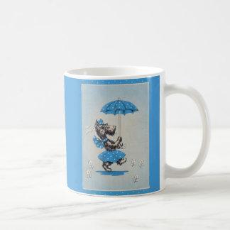 Taza De Café Paraguas que lleva de la señora del perro del
