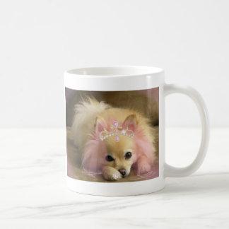 Taza De Café perro de hadas de la princesa con la corona del