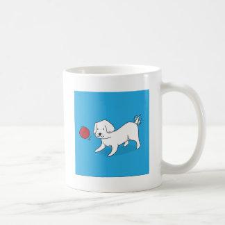 Taza De Café Perro que juega con una bola