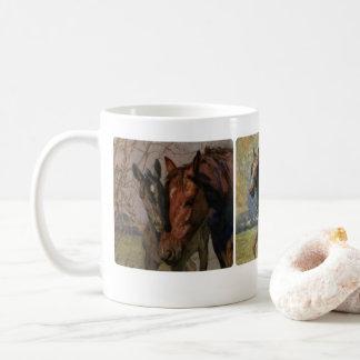 Taza De Café Pinturas negras del múltiplo del libro del caballo