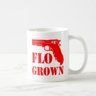 Taza De Café Pistola crecida Flo FB.com/USAPatriotGraphics