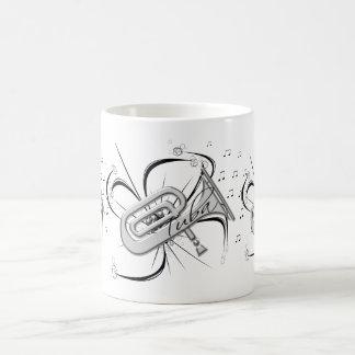 Taza De Café Plata y notas de la tuba