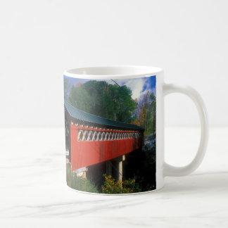 Taza De Café Puente cubierto Vermont
