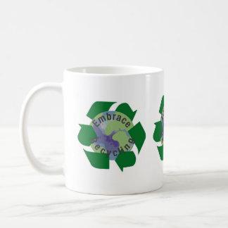 Taza De Café Reciclaje del abrazo
