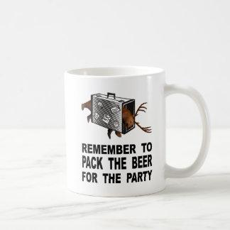 Taza De Café Recuerde embalar la cerveza para el fiesta