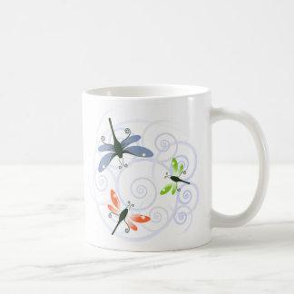 Taza De Café rizo de la libélula