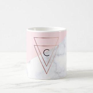 Taza De Café rosa de mármol blanco de los triángulos color de