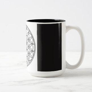 Taza de café sagrada de la geometría