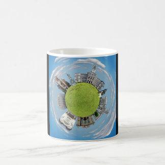 Taza De Café Señales minúsculas del planeta de Rumania de la