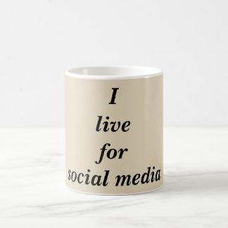 Taza de café social divertida de la cita de los
