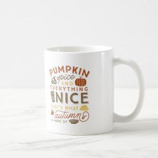 Taza de café tipográfica del otoño de la especia taza de café
