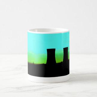 Taza De Café torres del tinsley en el tiro distante del
