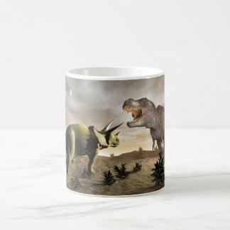 Taza De Café Tyrannosaurus que ruge en el triceratops - 3D