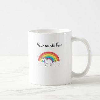 Taza De Café Unicornio blanco en el arco iris y las nubes