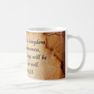 Taza De Café Verso de la biblia del 6:33 de Matthew